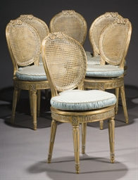 SUITE DE SIX CHAISES CANNEES D