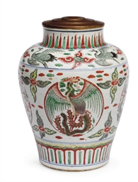 A Chinese wucai baluster jar