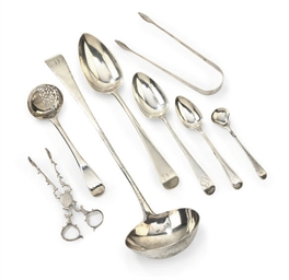 A MIXED GROUP OF SILVER FLATWARE, MOSTLY OLD ENGLISH PATTERN...