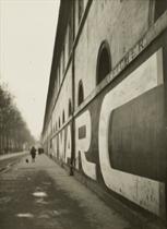 Le Mur de l'École Militaire, 1926