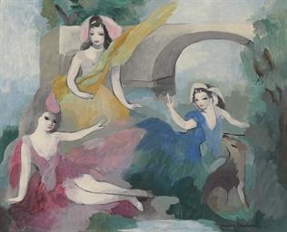 Trois jeunes filles devant un