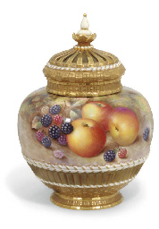 A ROYAL WORCESTER GLOBULAR POT