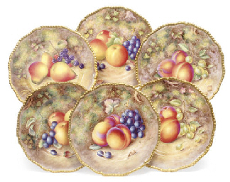 SIX ROYAL WORCESTER PLATES