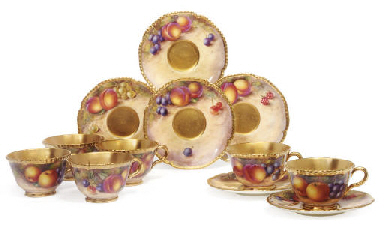 SIX ROYAL WORCESTER TEACUPS AN