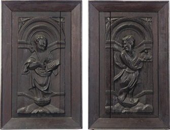 A PAIR OF ENGLISH OAK PANELS