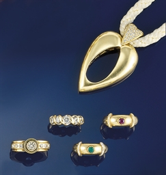 A diamond set pendant, by Piag
