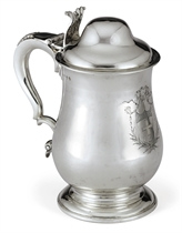 A GEORGE II IRISH SILVER TANKARD