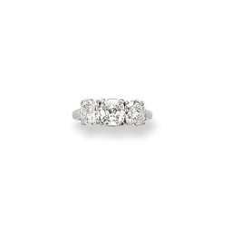 A THREE-STONE DIAMOND RING