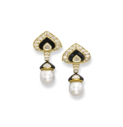 A PAIR OF CULTURED PEARL, ONYX