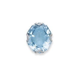 AN ART DECO AQUAMARINE PENDANT