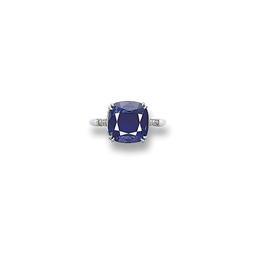 A VERY FINE SAPPHIRE RING