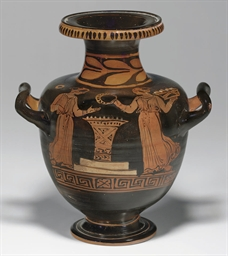 AN APULIAN RED-FIGURED HYDRIA