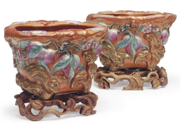 A PAIR OF CHINESE PORCELAIN OR