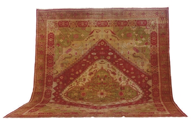 A HEREKE CARPET,