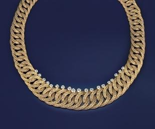 A diamond set necklace, by Tif