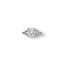 A DIAMOND RING, BY VAN CLEEF &