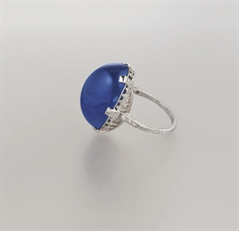 AN EDWARDIAN SAPPHIRE AND DIAM