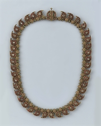 AN ANTIQUE INDIAN GEM-SET NECK