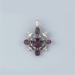 AN ANTIQUE SPINEL BROOCH/PENDA