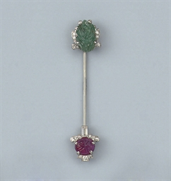AN ART DECO DIAMOND, RUBY AND