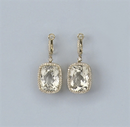 A PAIR OF YELLOW KUNZITE EARRI