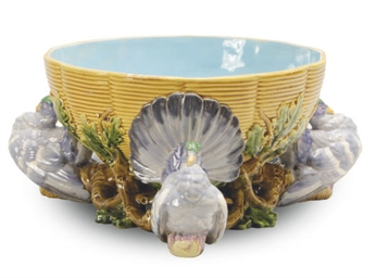 A ENGLISH MAJOLICA PIGEON-PIE