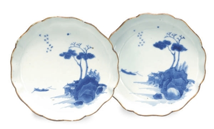 A PAIR OF JAPANESE PORCELAIN B