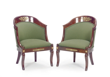 A PAIR OF GILT-METAL MOUNTED M