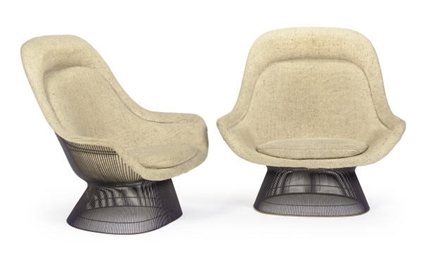 A PAIR OF LOUNGE CHAIRS,