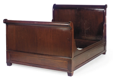 A MAHOGANY SLEIGH BED,