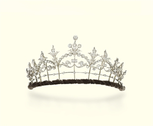 A VICTORIAN DIAMOND TIARA/NECK