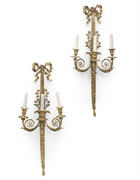 A PAIR OF GILT-BRONZE THREE BR
