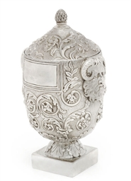 A GEORGE IV SILVER TEA CADDY O