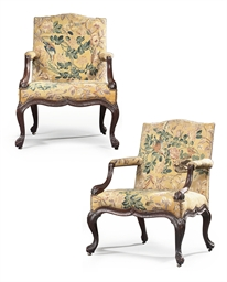 A PAIR OF GEORGE II MAHOGANY O