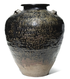 A SOUTH EAST ASIAN STONEWARE O