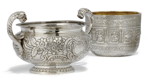 A GEORGE IV IRISH SILVER SUGAR