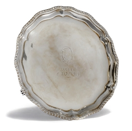 A GEORGE III IRISH SILVER SALV