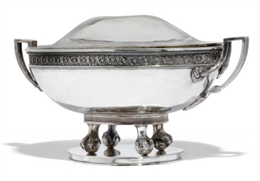 A CONTINENTAL OVAL SILVER SOUP
