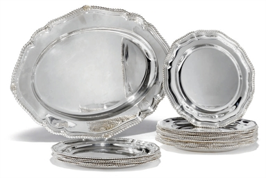 A SET OF SIX SILVER DINNER PLA