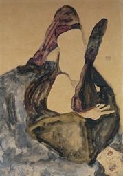 Frau mit erhobenem Bein und li