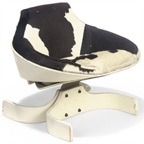A WHITE PAINTED PLYWOOD LOUNGE CHAIR 'SELLA 1001'
