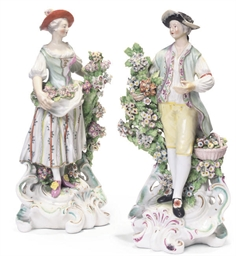 A PAIR OF DERBY PORCELAIN FIGU