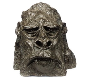A BRONZE HEAD OF KING KONG