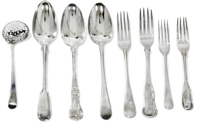 A MIXED GROUP OF GEORGE III/VICTORIAN SILVER FLATWARE