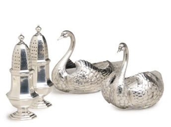 A PAIR OF AMERICAN SILVER SWAN