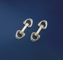 A pair of bi-metallic cufflink