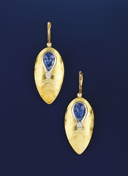 A pair of 18ct. gold, tanzanit
