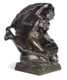 AN ITALIAN BRONZE FIGURE OF VE