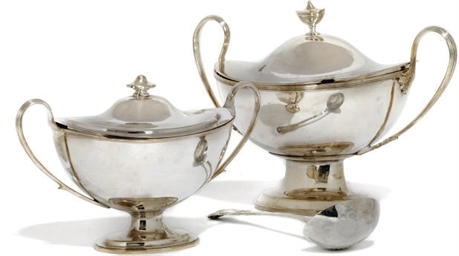 AN ELECTROPLATED SOUP TUREEN O