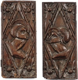 A PAIR OF OAK 'ROMAYNE' HEAD P